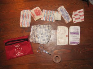the contents of my simple first aid kit i carry while mountain biking